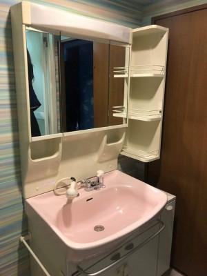 工事前の洗面所