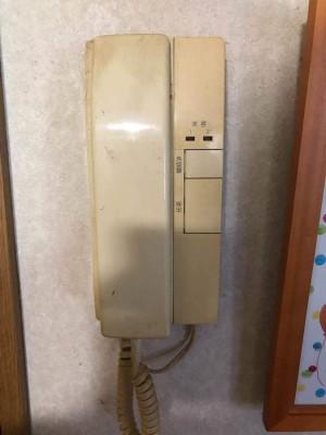 家の中の受話器