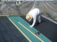 屋根葺き替え工事中①
